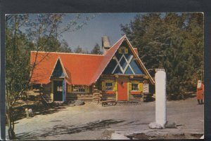 America Postcard - Santa's Post Office Building, Wilmington, New York    T7515