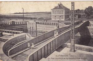 Le Pont Tournant De La Nouvelle Entree Du Port, St. Nazaire (Loire Atlantique...