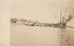 RP: CHESTER , Pennsylvania, 00-10s; Sinking Ship