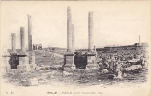 Tunisia Ruines Romaines de Timgad Porte de Marc Aurele cote Ouest