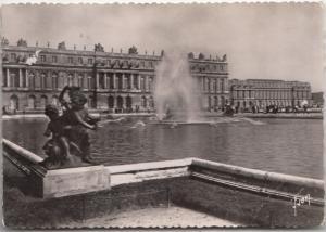 Versailles, Facade du Palais sur les parterres d'eau, 1955 used Postcard