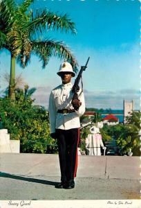 Royal Bahamas Police Postcard sentry guard Government House 1982