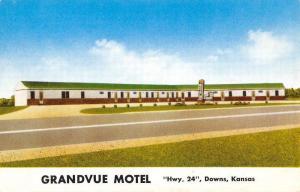 Downs Kansas Grandvue Motel Street View Vintage Postcard K56953