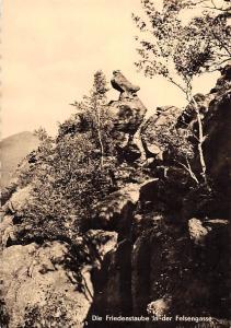 Die Friedenstaube in der Felsengasse Kurort Oybin Zittauer Gebirge