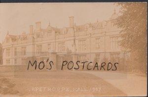 Northamptonshire Postcard - Apethorpe Hall   A7451