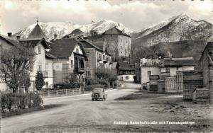 Austria . Golling Bahnhofstrasse mit Tennengebirge 01.59