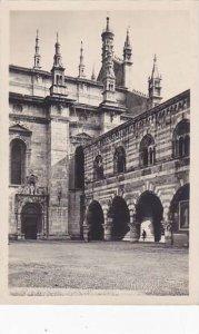 Italy Como Fianco settentrionale del Duomo e Portici del Broletto
