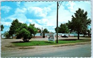 BROOKS, ALBERTA, Canada   Roadside  BROOKSIDE MOTEL  ca 1960s-70s  Postcard