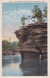 Wisconsin Dells Of The Wisconsin River Grotto Rock