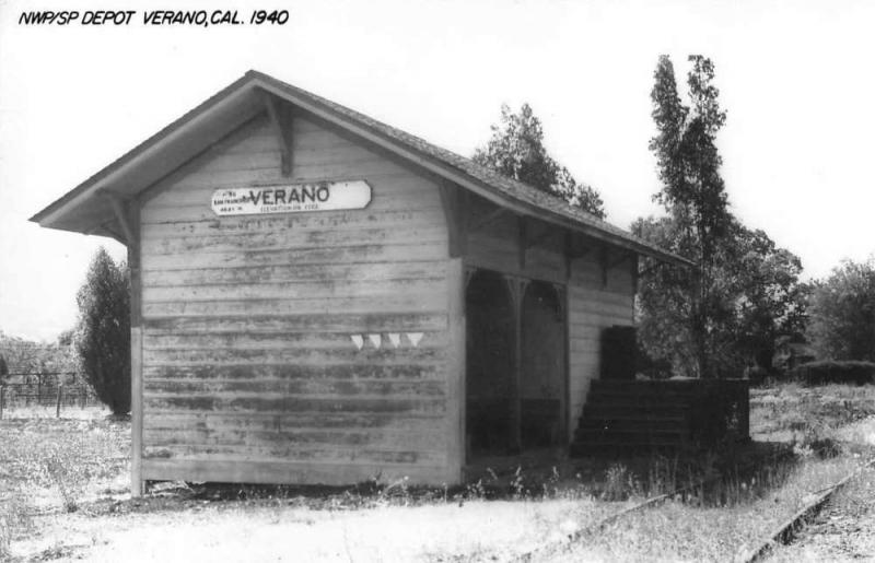 Verano California 1940 NWP/SP train depot real photo pc Z49769