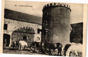 CPA Abbaye de N.-D. de Grace - BRICQUEBEC - le silo a fourrage (149208)