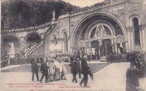 France Lourdes Benediction du St Sacrement Devant le Rosaire