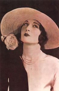 London,  The Gibson Girl hat coming back? 1925 Nostalgia Reprint