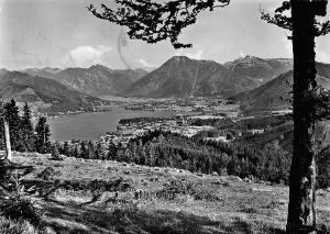 Blick auf das Tegernseer Tal mit Wallberg u. Wallbergbahn