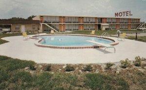 BUSHNELL , Florida , 50-60s ; Guest House Motel