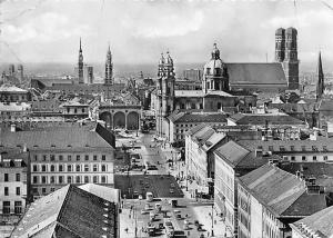 Muenchen Ludwigstrasse mit Blick auf Zentrum Auto Cars Church Kirche