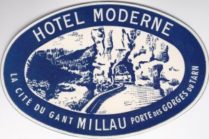France Millau Hotel Moderne Blue Vintage Luggage Label sk1098