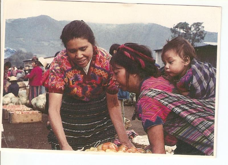 Postal 034751 : Mujeres Cakchiquel. Mercado Antigua Guatemala