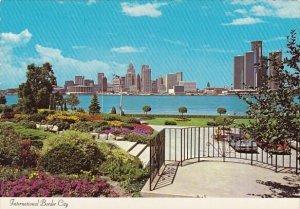 International Border City Detroit Michigan