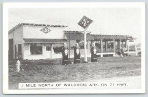 Waldron Arkansas~Threeway Stop~DX Service Station~Globe Gas Pumps~Cafe~1940s B&W