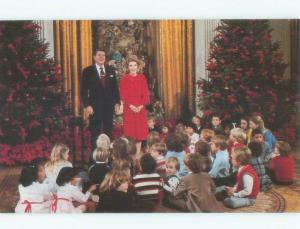1981 PRESIDENT RONALD REAGAN CHRISTMAS AT EXECUTIVE MANSION Washington DC E7421