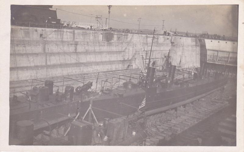 RP: GUANTANAMO , Cuba , 00-10s ; Ship in Drydock