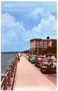Charleston SC Murray Boulevard Fort Sumter Hotel Old Cars Postcard