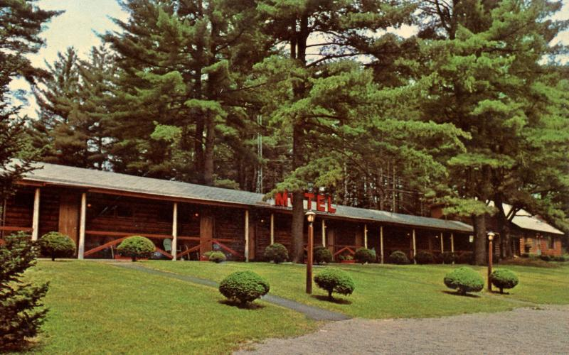 NY - Chestertown. Fairways Motel & Cottages