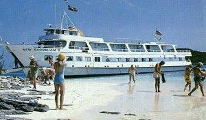Postcard  American Canadian Liner at Bow Landing, Bahamas.       Q2
