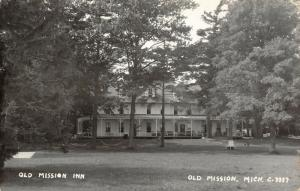 Old Mission Michigan~Grand Traverse County~OM Inn~Resort Hotel~1940s RPPC