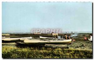 Postcard Modern Madagascar Tulear Pirogues