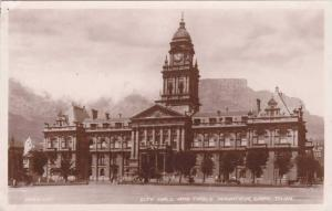 RP: City Hall , Cape Town , South Africa , 30-40s
