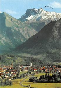 Oberstdorf Allgaeu mit Kratzer Gesamtansicht Berg Kirche Church Mountains