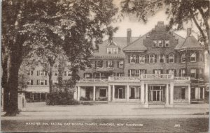 Hanover NH Hanover Inn facing Dartmouth Campus Unused Postcard G28