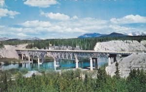 Johnson's crossing,  Mile 836,  Alaska Hiway,  Yukon,   Canada,  40-60s