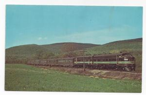 Train Railroad Postcard Engines 903 902 Reading EMD FP7A's