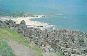 New Zealand Postcard Funakaiki Pancake Rocks rocky landscape ocean panorama