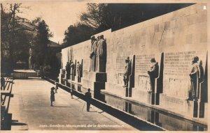 Vintage Postcard Geneve Monument De La Reformation Switzerland