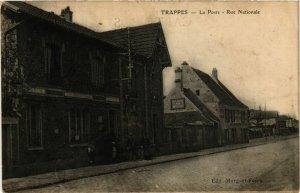 CPA TRAPPES - La Poste - Rue Nationale (246431)