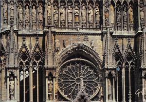 BR86468 reims detail de la facade de la cathedrale france