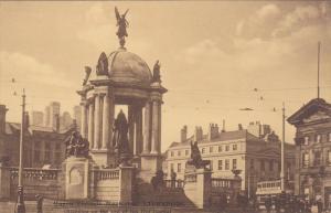 LIVERPOOL , England , 00-10s , Queen Victoria Memorial