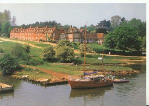 Hampshire Postcard - Buckers Hard - Picturesque 18th Century Village  Ref 9749A