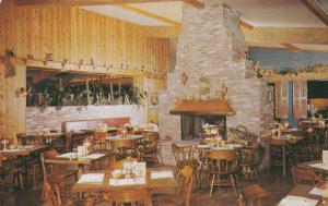 ESCONDIDO , California, 50-60s ; Fireside Restaurant & Cocktail Lounge