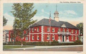 LP17 Marietta Ohio City Building   Postcard