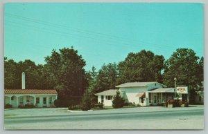Crossville Tennessee~Cumberland Motel Building~Vintage Postcard