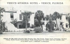 Venice Florida~Venice-Myakka Hotel~Shell Beaches~Folks in Lawnchairs~1940s B&W