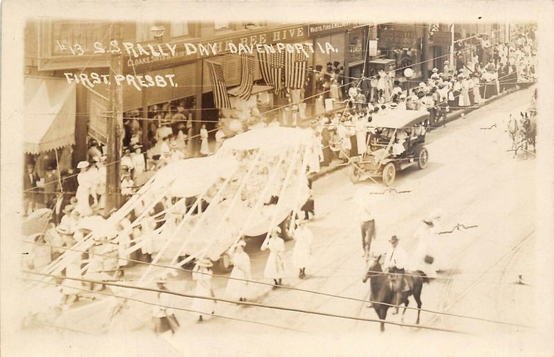 Davenport IA~1st Presbyterian Church~Rally Day Parade~Bee Hive Clothes~RPPC 1922