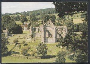 Yorkshire Postcard - Bolton Abbey & Bolton Hall, Wharfedale   RR5765