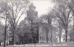 RP: BARRON , Wisconsin , 30-40s ; Court House