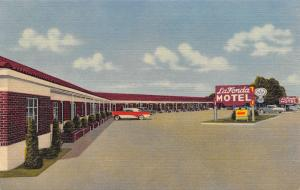 Liberal Kansas~La Fonda Motel~Red Brick Ranch Style~1950s Cars~Art Deco Linen